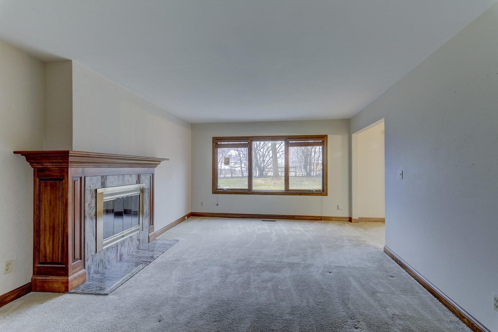 991 Lake Country Ct, Oconomowoc, Wisconsin 53066, 3 Bedrooms Bedrooms, 7 Rooms Rooms,1 BathroomBathrooms,Condominiums,For Sale,Lake Country Ct,1,1617479
