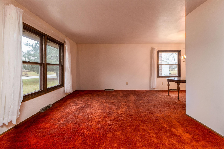 W223N2224 Meadowood Ln, Pewaukee, Wisconsin 53186, 3 Bedrooms Bedrooms, 7 Rooms Rooms,1 BathroomBathrooms,Single-Family,For Sale,Meadowood Ln,1617356