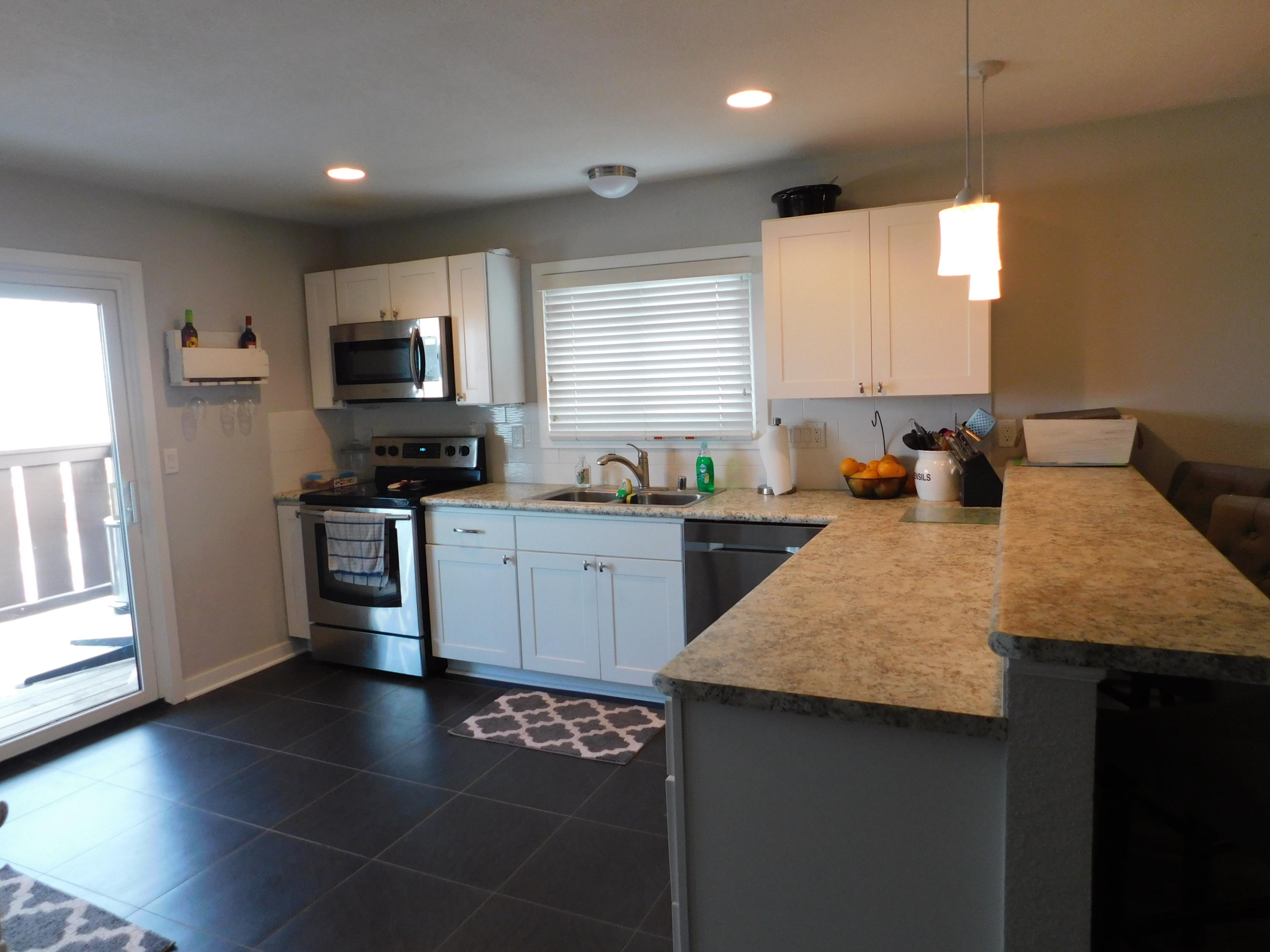 1334 Greenhedge Rd, Pewaukee, Wisconsin 53072, 2 Bedrooms Bedrooms, 5 Rooms Rooms,1 BathroomBathrooms,Condominiums,For Sale,Greenhedge Rd,2,1617981