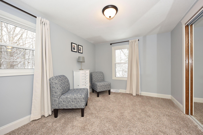 S9W31422 Irwin Ct, Delafield, Wisconsin 53183, 3 Bedrooms Bedrooms, 10 Rooms Rooms,2 BathroomsBathrooms,Single-Family,For Sale,Irwin Ct,1618003