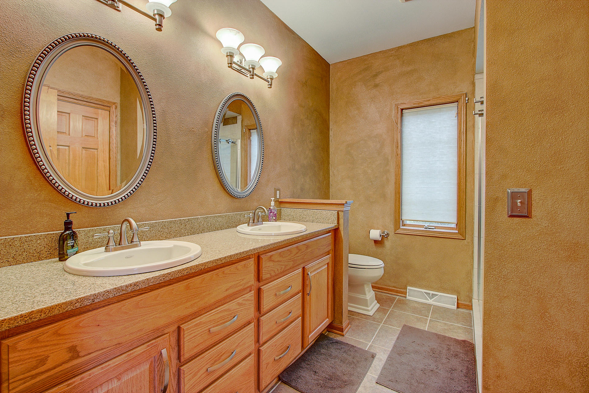 2504 Trillium Hill Ct, Waukesha, Wisconsin 53189, 4 Bedrooms Bedrooms, ,3 BathroomsBathrooms,Single-Family,For Sale,Trillium Hill Ct,1618075
