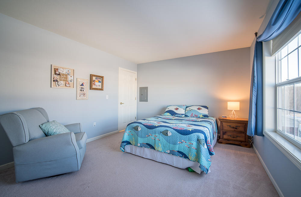 N15W26510 Golf View Ln, Pewaukee, Wisconsin 53072, 2 Bedrooms Bedrooms, 5 Rooms Rooms,2 BathroomsBathrooms,Condominiums,For Sale,Golf View Ln,1,1618192
