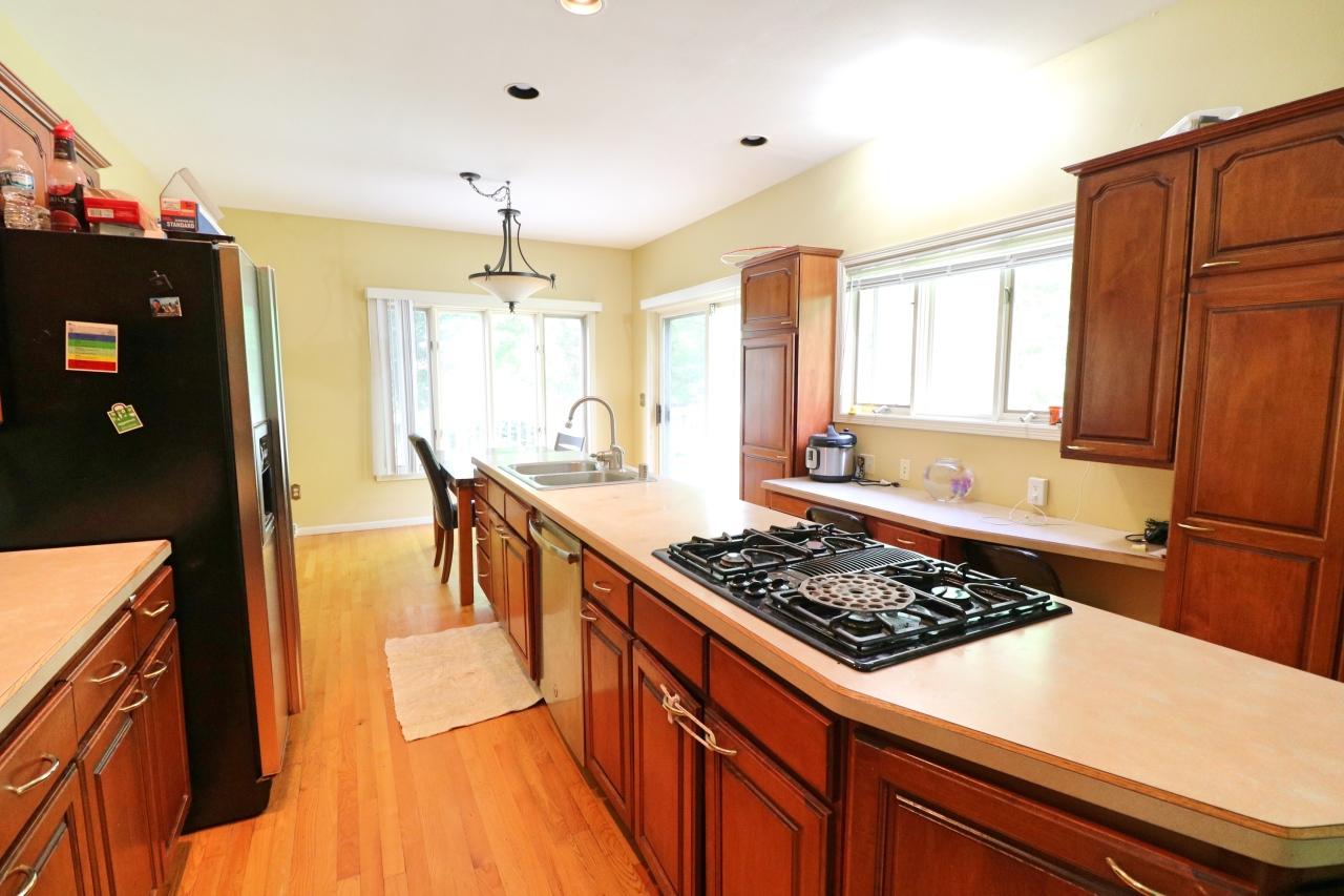 2824 Burton Dr, Waukesha, Wisconsin 53188, 4 Bedrooms Bedrooms, 9 Rooms Rooms,2 BathroomsBathrooms,Single-Family,For Sale,Burton Dr,1618240