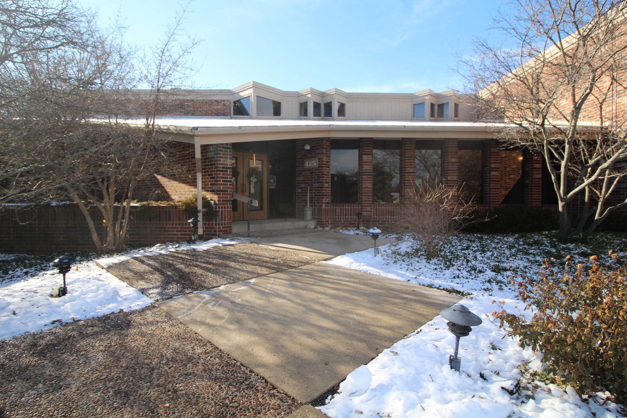 425 W Willow Ct #253