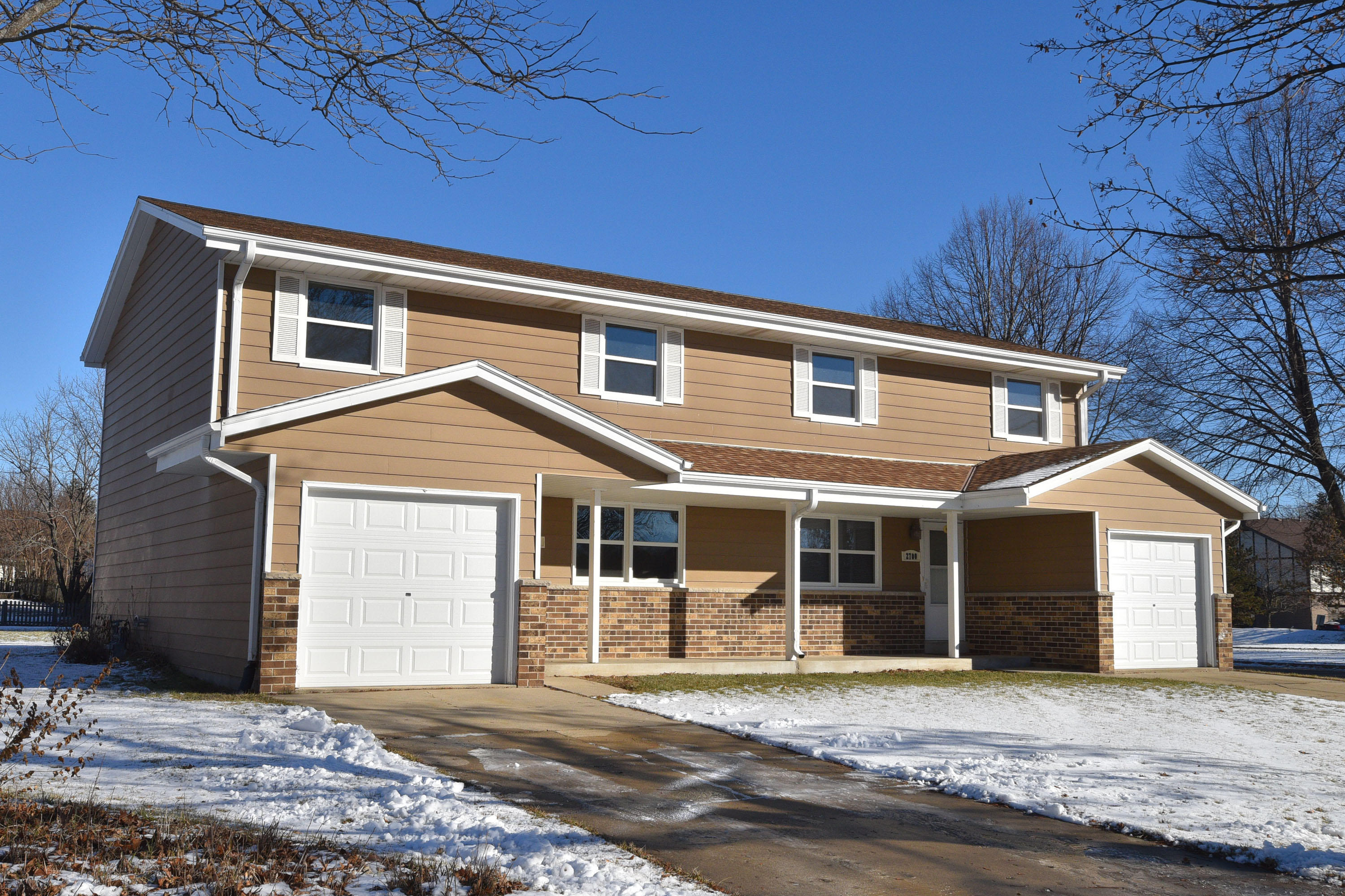 2700 Albany Ct, Waukesha, Wisconsin 53188, 3 Bedrooms Bedrooms, 6 Rooms Rooms,1 BathroomBathrooms,Two-Family,For Sale,Albany Ct,1,1618018