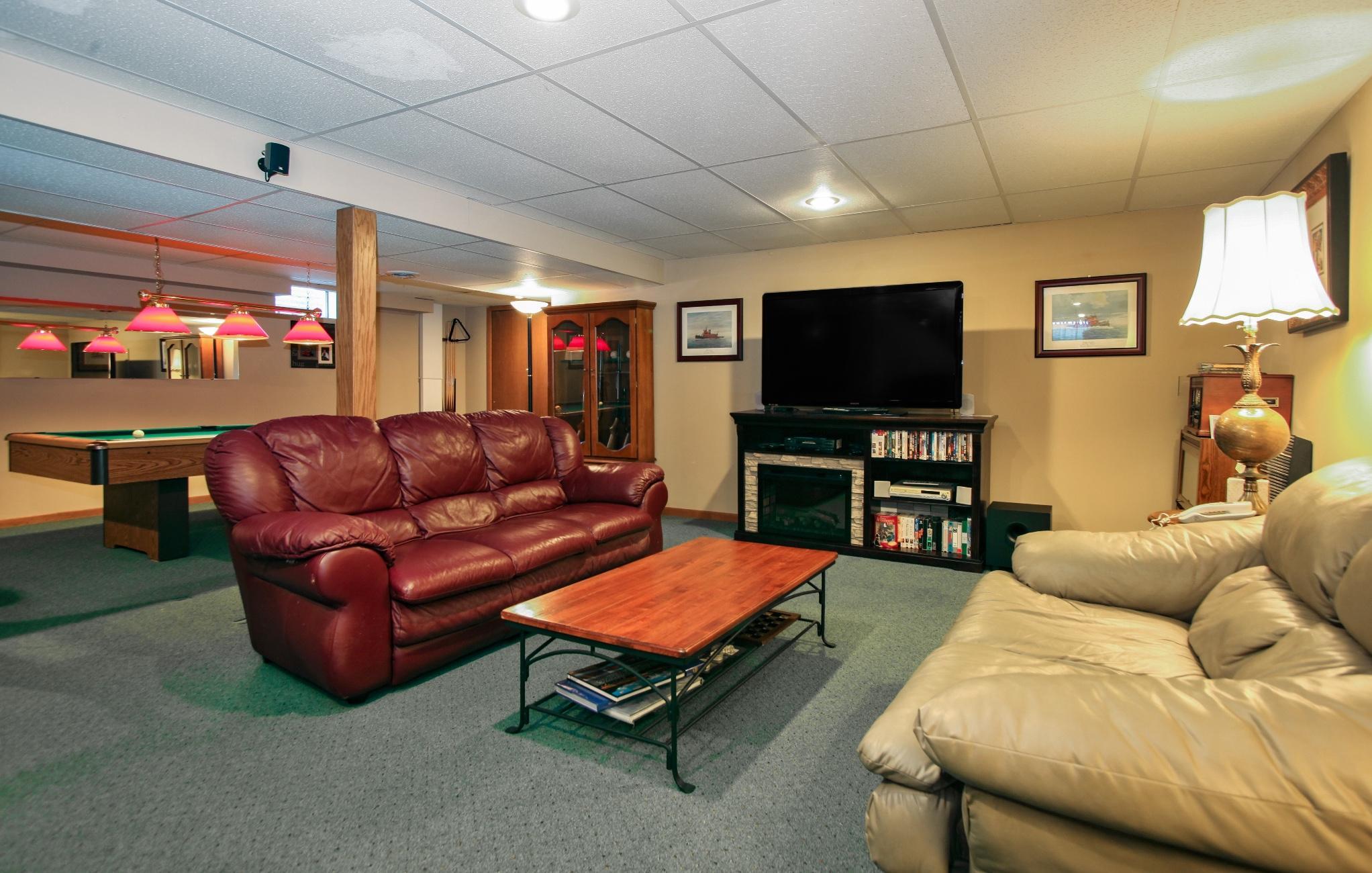 2221 Stony Ridge Dr, Waukesha, Wisconsin 53189, 3 Bedrooms Bedrooms, 8 Rooms Rooms,2 BathroomsBathrooms,Single-Family,For Sale,Stony Ridge Dr,1618379