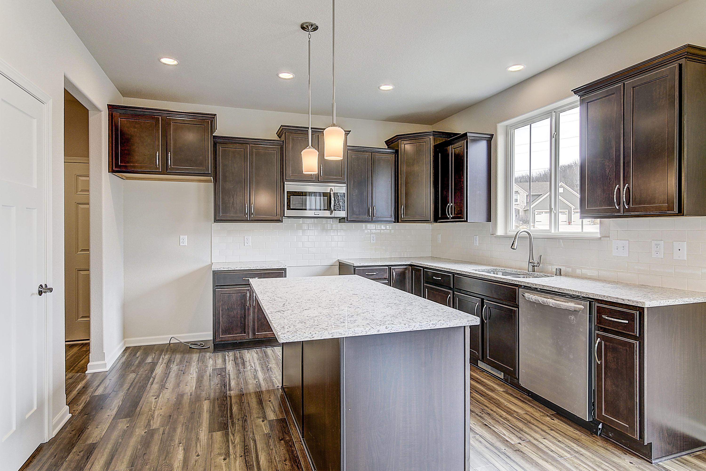 W220S3931 Crestview Ct, Waukesha, Wisconsin 53189, 4 Bedrooms Bedrooms, 9 Rooms Rooms,2 BathroomsBathrooms,Single-Family,For Sale,Crestview Ct,1618412