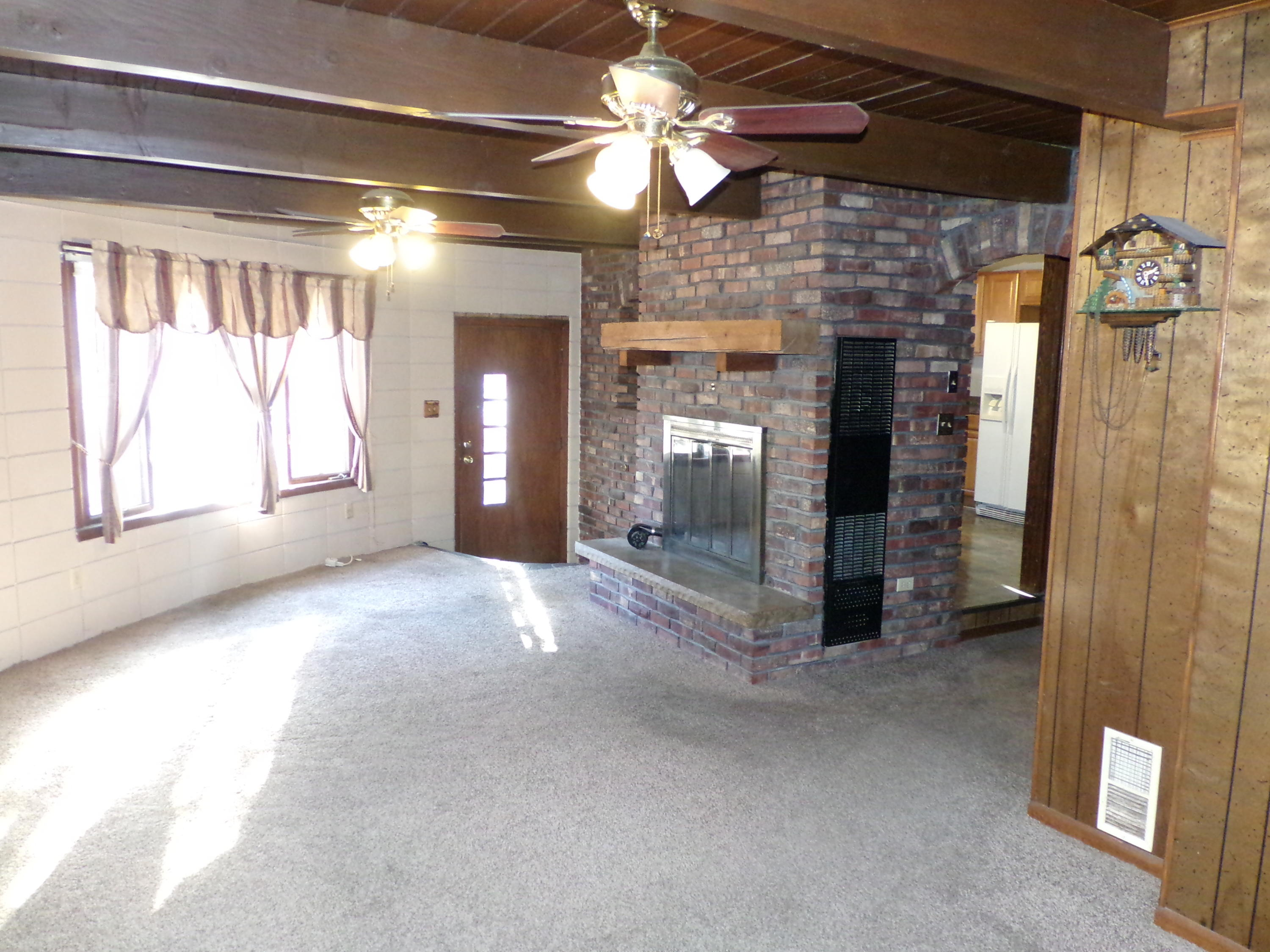 1911 Pewaukee Rd, Waukesha, Wisconsin 53188, 3 Bedrooms Bedrooms, 7 Rooms Rooms,1 BathroomBathrooms,Single-Family,For Sale,Pewaukee Rd,1618425