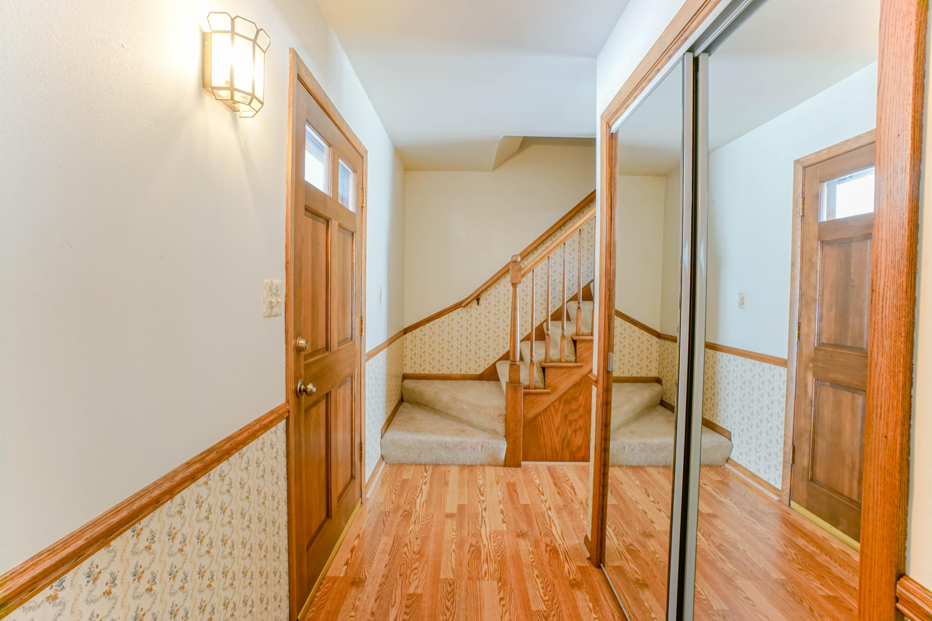 1302 Cherrywood Dr, Waukesha, Wisconsin 53188, 3 Bedrooms Bedrooms, 7 Rooms Rooms,1 BathroomBathrooms,Single-Family,For Sale,Cherrywood Dr,1618460