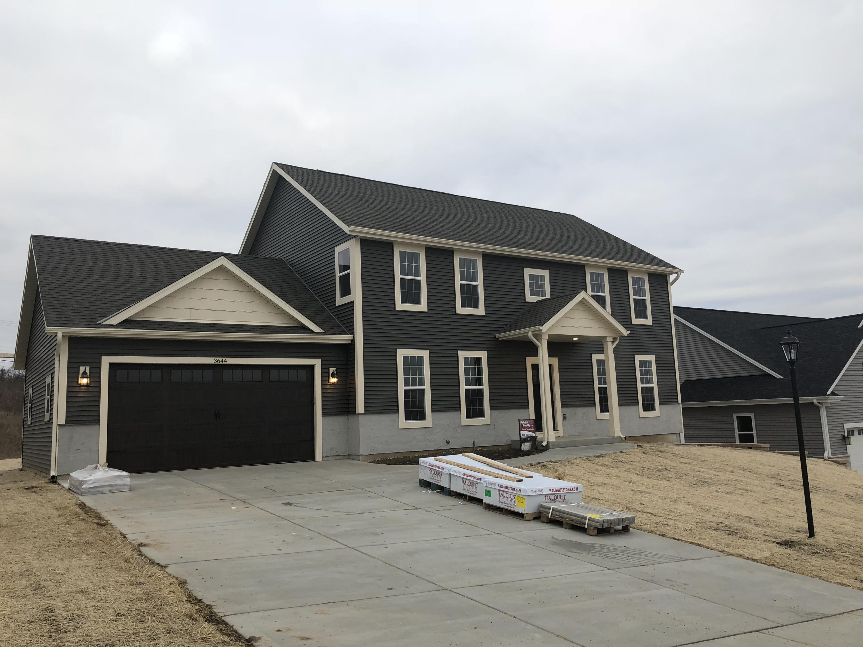 3644 Olde Howell Rd, Waukesha, Wisconsin 53188, 4 Bedrooms Bedrooms, 8 Rooms Rooms,2 BathroomsBathrooms,Single-Family,For Sale,Olde Howell Rd,1613808