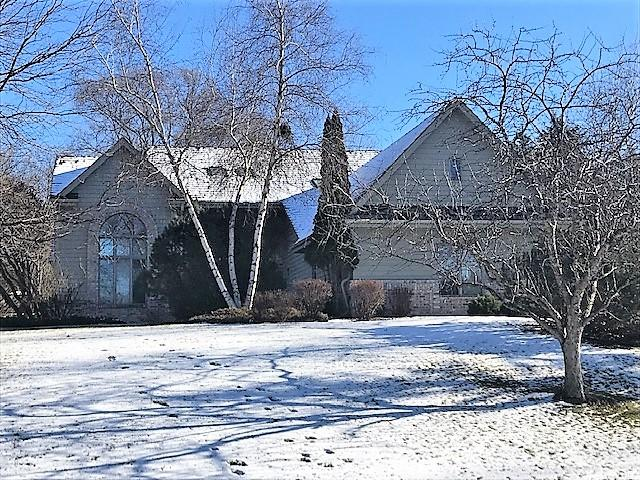 W280N1792 Golf View Dr, Delafield, Wisconsin 53072, 4 Bedrooms Bedrooms, 10 Rooms Rooms,4 BathroomsBathrooms,Single-Family,For Sale,Golf View Dr,1582921