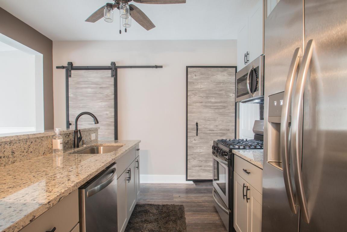 150 Maple St, Oconomowoc, Wisconsin 53066, 3 Bedrooms Bedrooms, 8 Rooms Rooms,2 BathroomsBathrooms,Single-Family,For Sale,Maple St,1618627