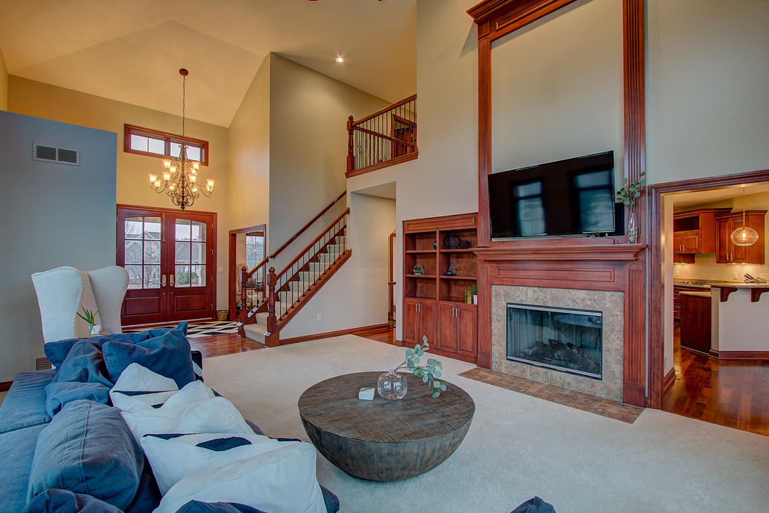 1286 Mary Hill Cir, Hartland, Wisconsin 53029, 4 Bedrooms Bedrooms, 12 Rooms Rooms,3 BathroomsBathrooms,Single-Family,For Sale,Mary Hill Cir,1618832