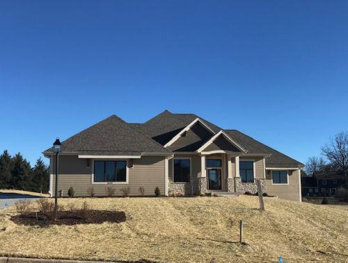 1633 Twisted Oak Ct, Hartland, Wisconsin 53029, 4 Bedrooms Bedrooms, 13 Rooms Rooms,3 BathroomsBathrooms,Single-Family,For Sale,Twisted Oak Ct,1607268
