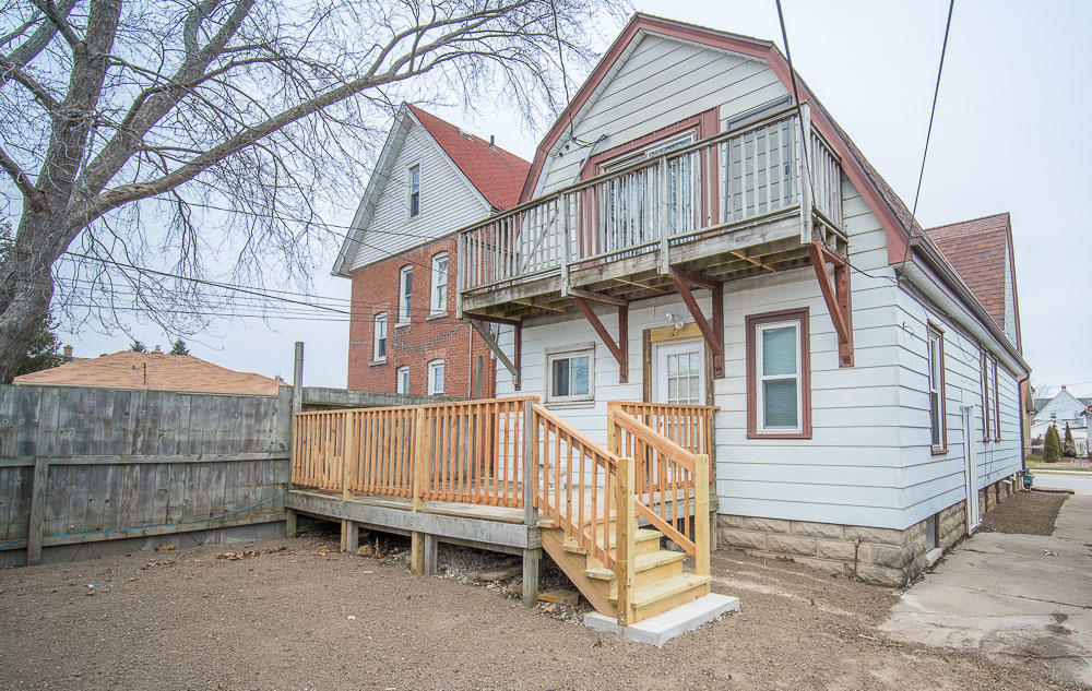 727 Montana AVE, South Milwaukee, Wisconsin 53172, 2 Bedrooms Bedrooms, 4 Rooms Rooms,1 BathroomBathrooms,Two-Family,For Sale,Montana AVE,1,1619158
