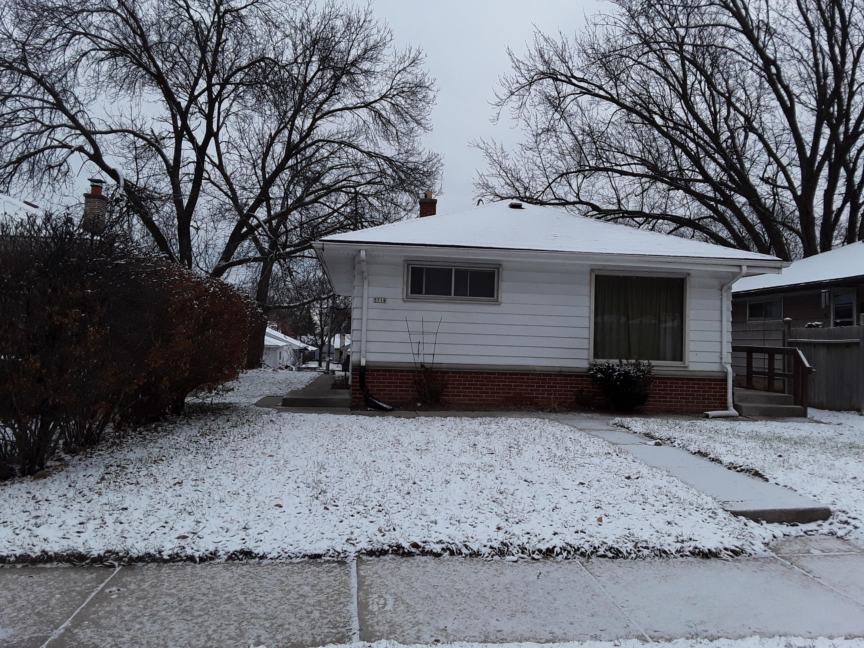5718 70th St, Milwaukee, Wisconsin 53218, 3 Bedrooms Bedrooms, 5 Rooms Rooms,1 BathroomBathrooms,Single-Family,For Sale,70th St,1619219