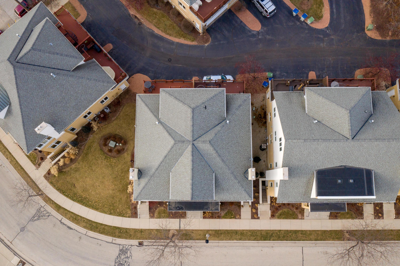 1729 Hubbard St, Milwaukee, Wisconsin 53212, 3 Bedrooms Bedrooms, ,3 BathroomsBathrooms,Condominiums,For Sale,Hubbard St,1,1619044