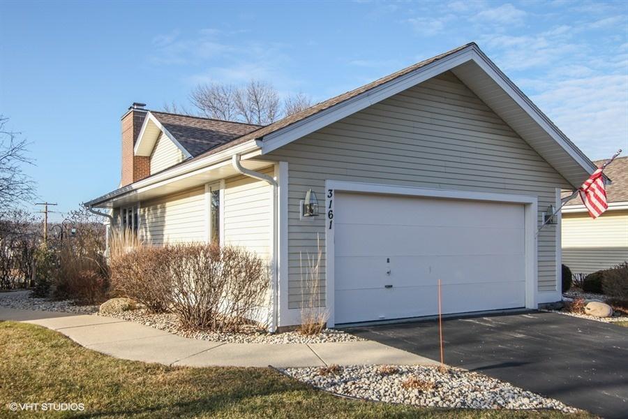 3161 Madison St, Waukesha, Wisconsin 53188, 3 Bedrooms Bedrooms, ,2 BathroomsBathrooms,Condominiums,For Sale,Madison St,1,1619109