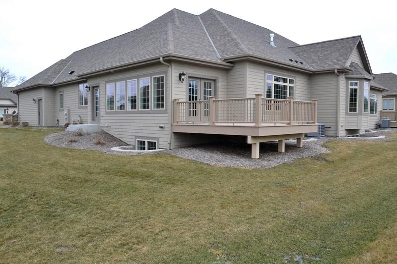 N35W23687 Auburn Ct, Pewaukee, Wisconsin 53072, 2 Bedrooms Bedrooms, 7 Rooms Rooms,2 BathroomsBathrooms,Condominiums,For Sale,Auburn Ct,1,1618291