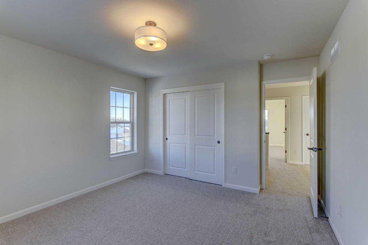 3620 Howell Oaks Dr, Waukesha, Wisconsin 53188, 4 Bedrooms Bedrooms, 9 Rooms Rooms,2 BathroomsBathrooms,Single-Family,For Sale,Howell Oaks Dr,1619173