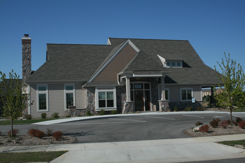 1661 Belmont Ln, Oconomowoc, Wisconsin 53066, 2 Bedrooms Bedrooms, 8 Rooms Rooms,2 BathroomsBathrooms,Condominiums,For Sale,Belmont Ln,1,1619207