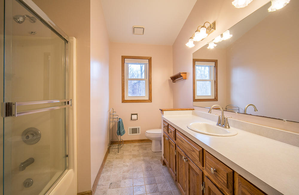 2607 Lancaster DR, Waukesha, Wisconsin 53188, 3 Bedrooms Bedrooms, ,2 BathroomsBathrooms,Single-Family,For Sale,Lancaster DR,1619227