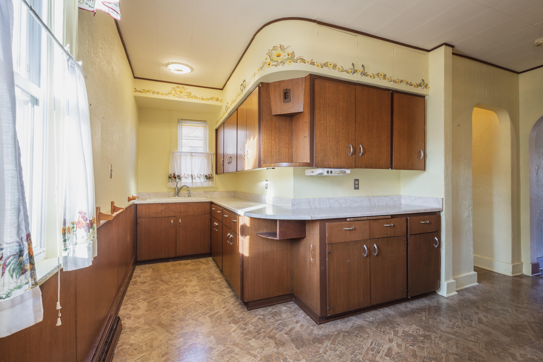 3125 Illinois Ave, Milwaukee, Wisconsin 53207, 5 Bedrooms Bedrooms, 8 Rooms Rooms,2 BathroomsBathrooms,Single-Family,For Sale,Illinois Ave,1619244