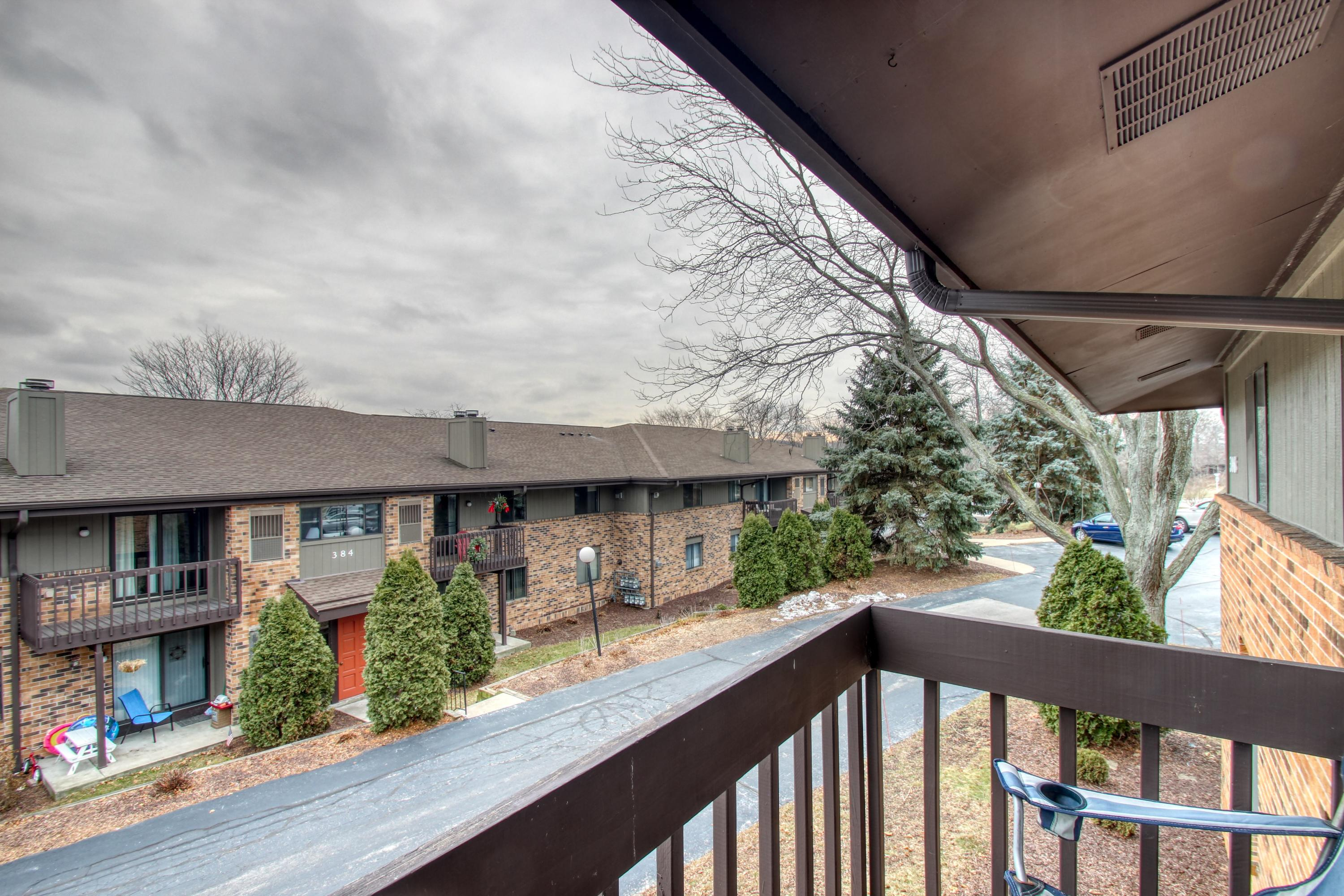 396 Park Hill Dr, Pewaukee, Wisconsin 53072, 2 Bedrooms Bedrooms, ,2 BathroomsBathrooms,Condominiums,For Sale,Park Hill Dr,2,1619276
