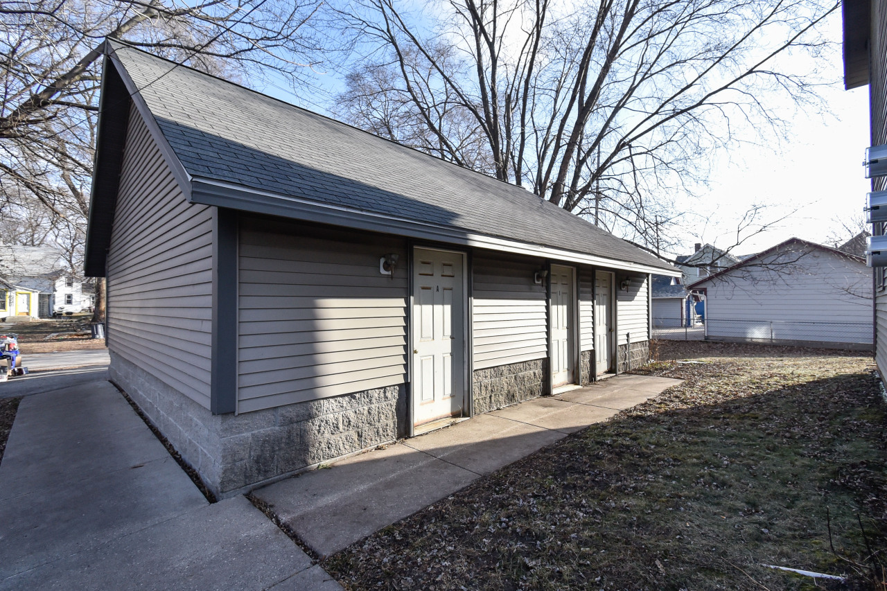 217 Barstow St, Waukesha, Wisconsin 53188, ,Multi-Family Investment,For Sale,Barstow St,1619201