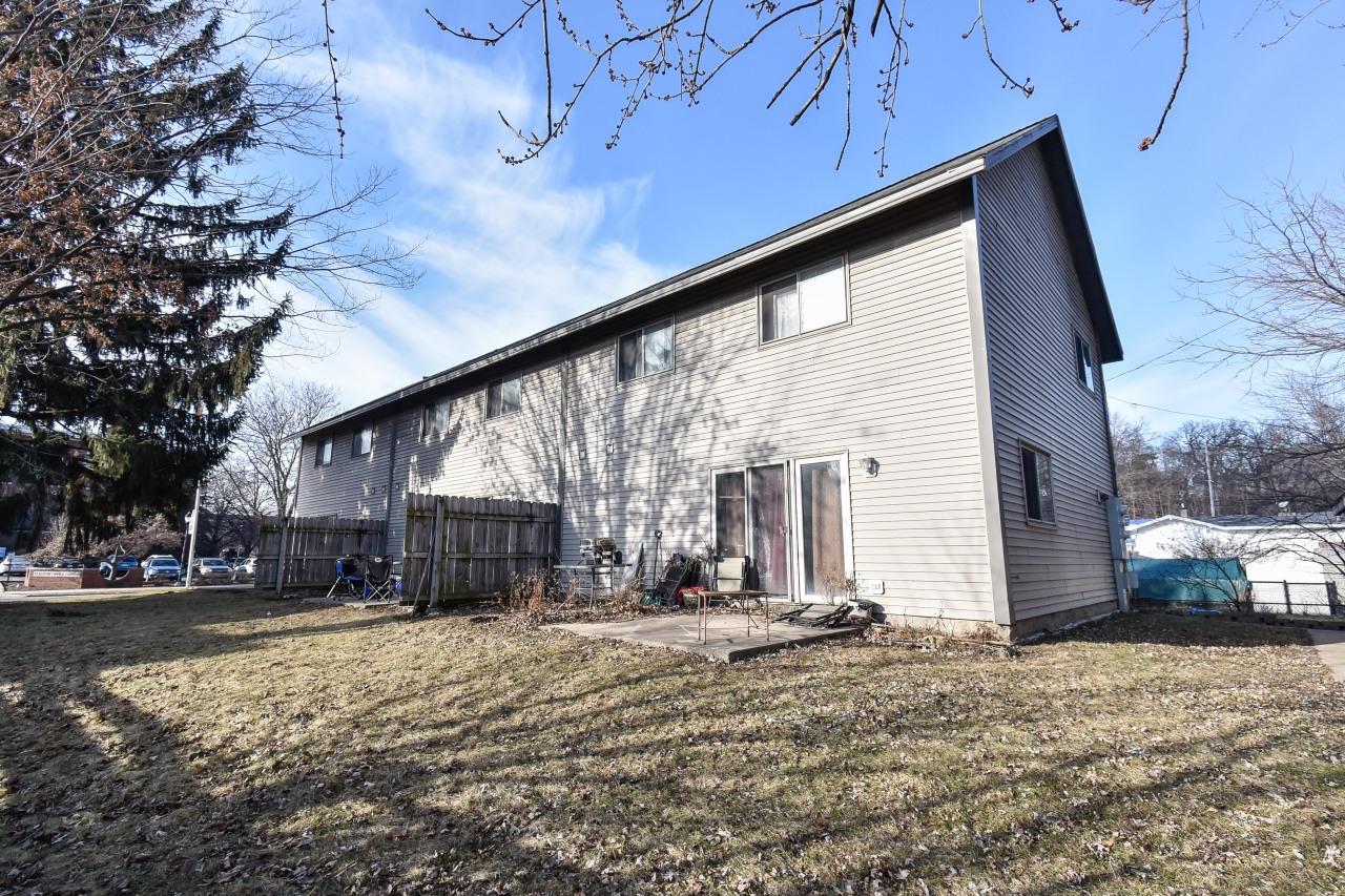 217 Barstow St, Waukesha, Wisconsin 53188, 3 Bedrooms Bedrooms, ,1 BathroomBathrooms,Condominiums,For Sale,Barstow St,1,1619217