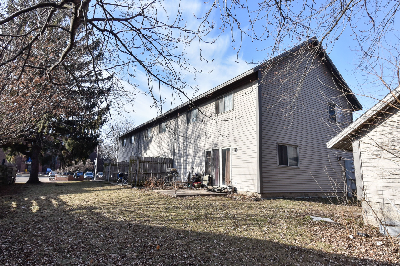 217 Barstow St, Waukesha, Wisconsin 53188, 3 Bedrooms Bedrooms, ,1 BathroomBathrooms,Condominiums,For Sale,Barstow St,1,1619226