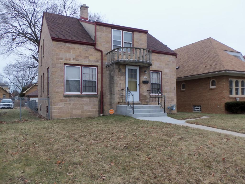 4218 17th St, Milwaukee, Wisconsin 53209, 3 Bedrooms Bedrooms, ,2 BathroomsBathrooms,Single-Family,For Sale,17th St,1619607