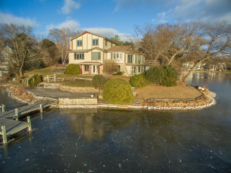 N55W34809 Lake Dr, Oconomowoc, Wisconsin 53066, 4 Bedrooms Bedrooms, 10 Rooms Rooms,3 BathroomsBathrooms,Single-Family,For Sale,Lake Dr,1620030
