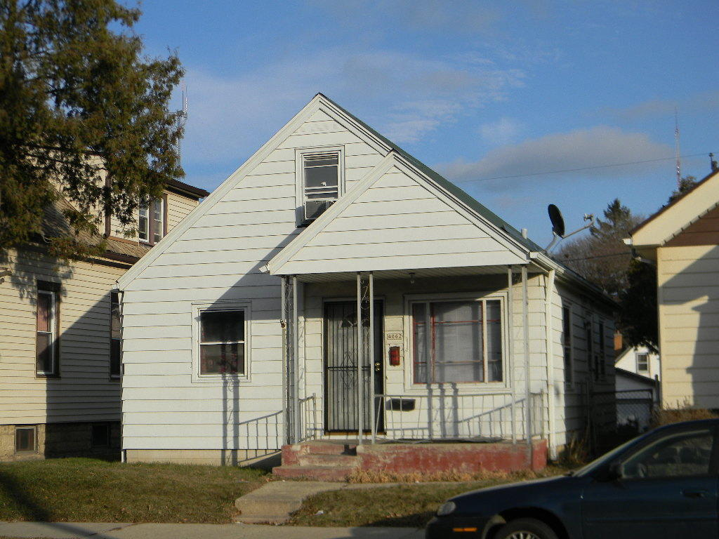 4062 7th St, Milwaukee, Wisconsin 53209, 3 Bedrooms Bedrooms, 5 Rooms Rooms,1 BathroomBathrooms,Single-Family,For Sale,7th St,1620173