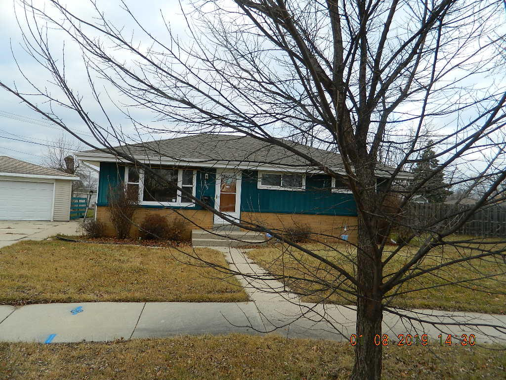 6745 78th St, Milwaukee, Wisconsin 53223, 3 Bedrooms Bedrooms, 5 Rooms Rooms,1 BathroomBathrooms,Single-Family,For Sale,78th St,1619631
