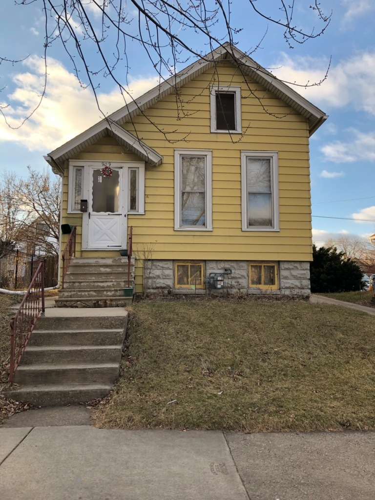 909 20th St, Milwaukee, Wisconsin 53204, 4 Bedrooms Bedrooms, ,1 BathroomBathrooms,Single-Family,For Sale,20th St,1619718