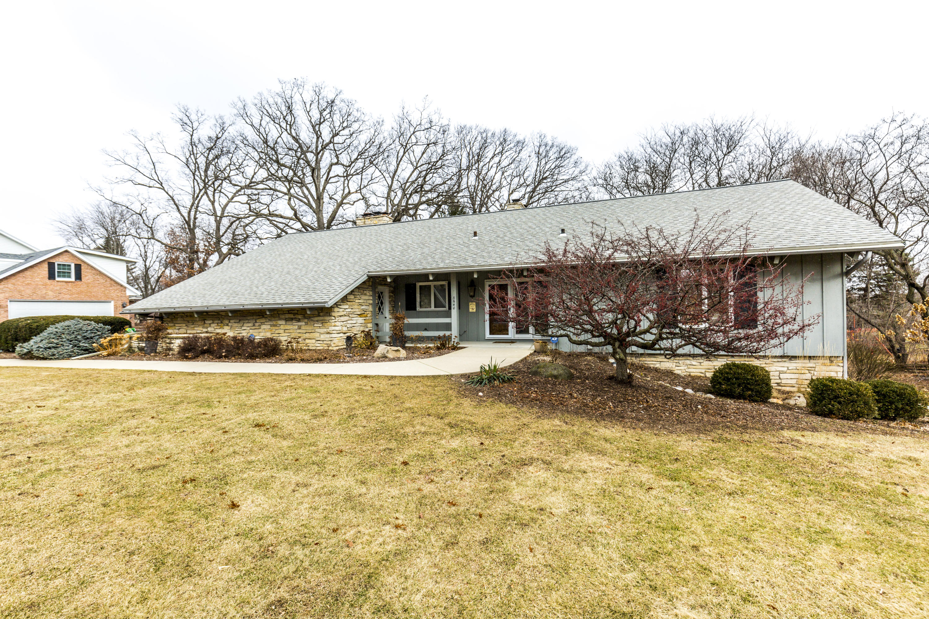 3640 Mary Cliff LN, Brookfield, Wisconsin 53005, 4 Bedrooms Bedrooms, 11 Rooms Rooms,3 BathroomsBathrooms,Single-Family,For Sale,Mary Cliff LN,1620398