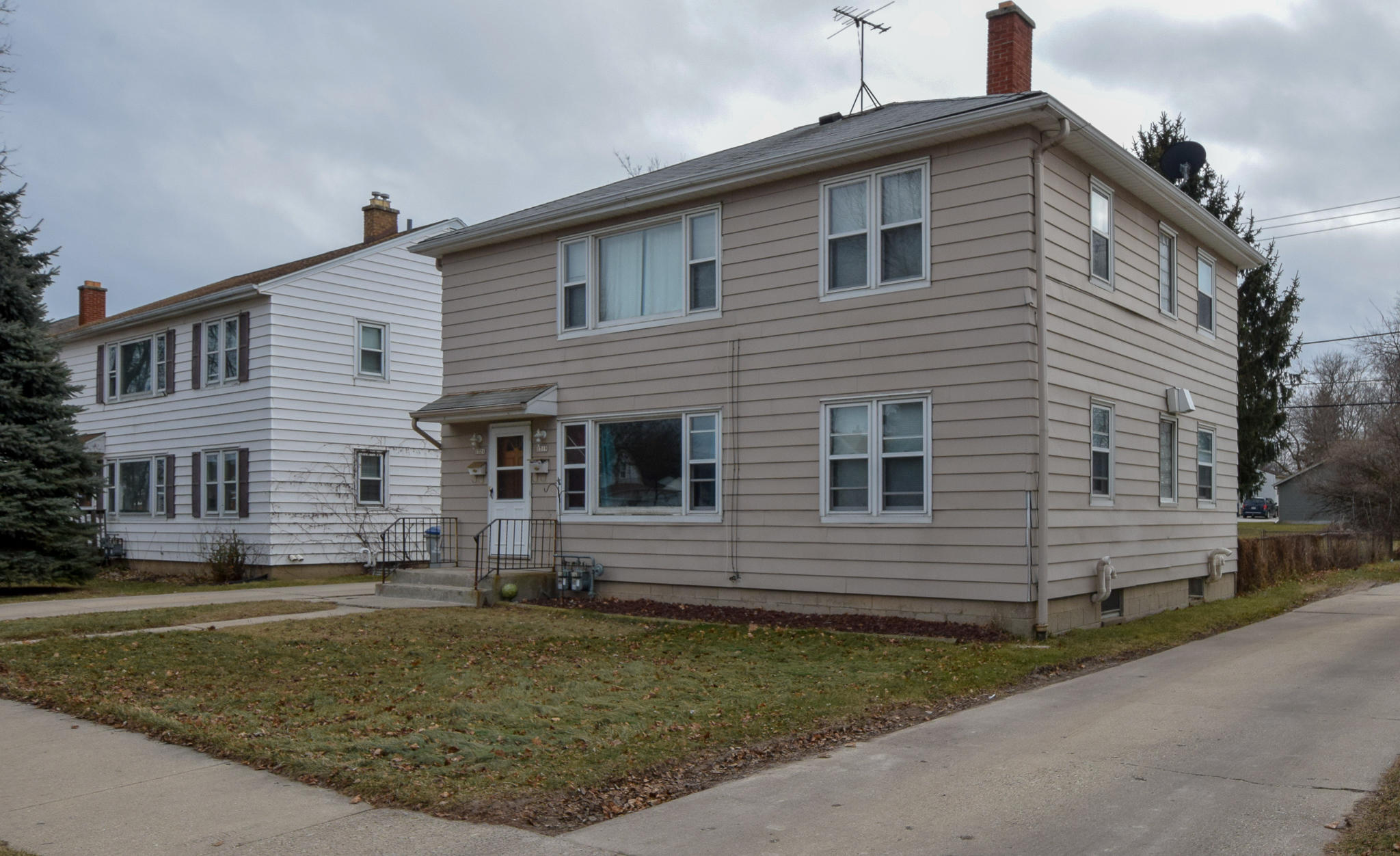 1319 Howard Ave., Milwaukee, Wisconsin 53207, 3 Bedrooms Bedrooms, 5 Rooms Rooms,1 BathroomBathrooms,Two-Family,For Sale,Howard Ave.,1,1619884
