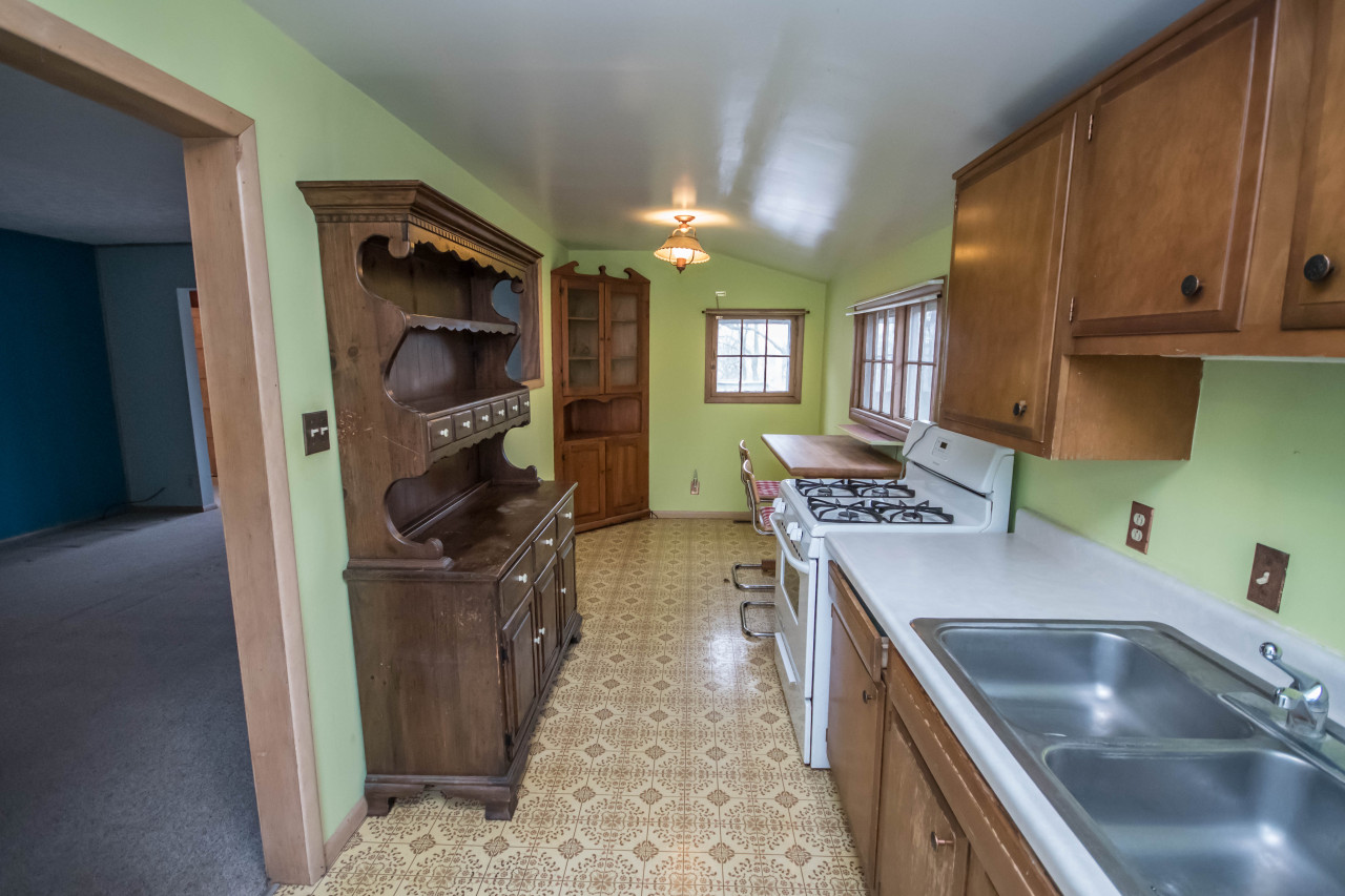 471 Prospect Ave, Pewaukee, Wisconsin 53072, 2 Bedrooms Bedrooms, 5 Rooms Rooms,1 BathroomBathrooms,Single-Family,For Sale,Prospect Ave,1616461