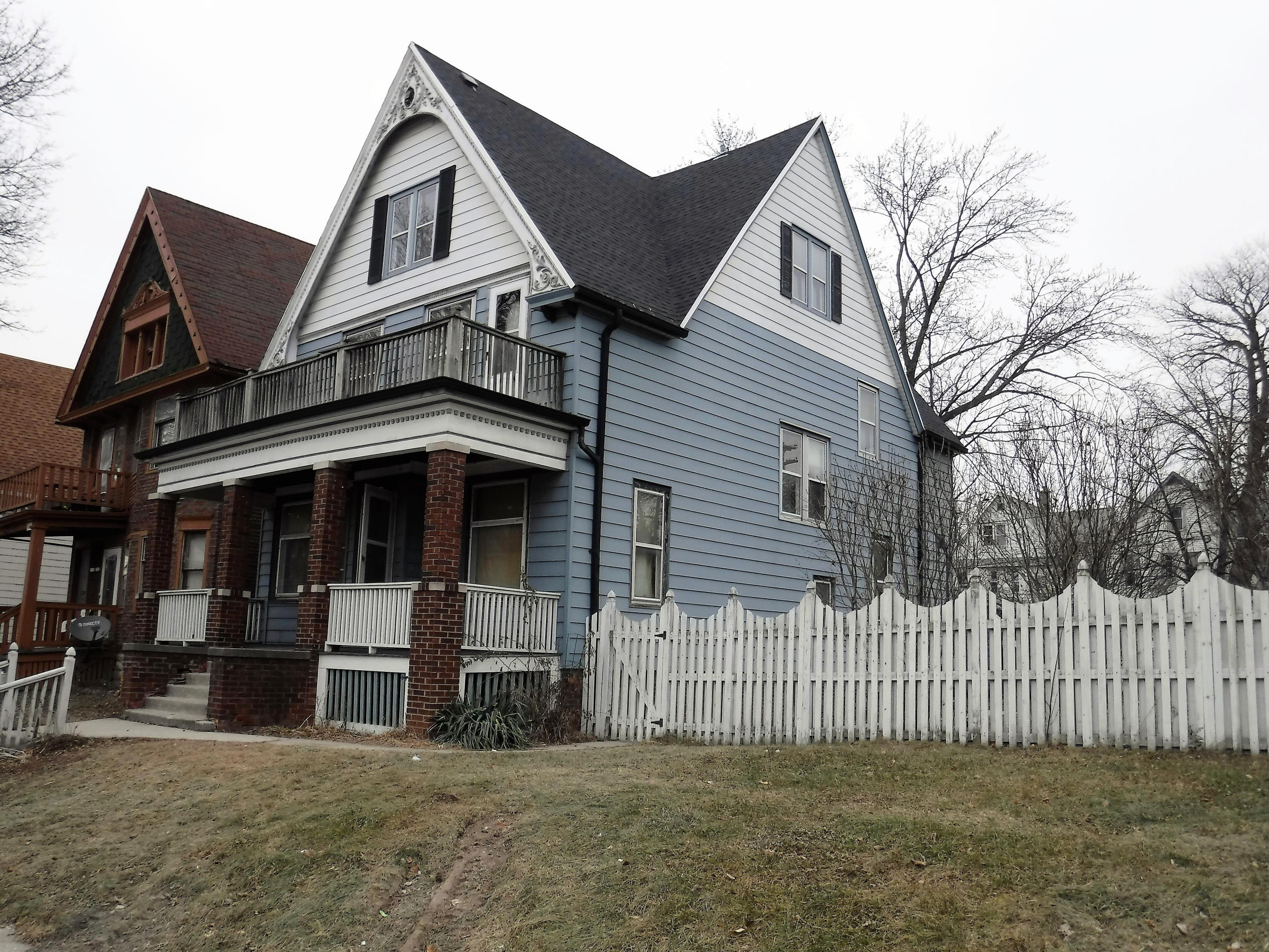1228 34th Street, Milwaukee, Wisconsin 53208, 4 Bedrooms Bedrooms, ,1 BathroomBathrooms,Single-Family,For Sale,34th Street,1620057
