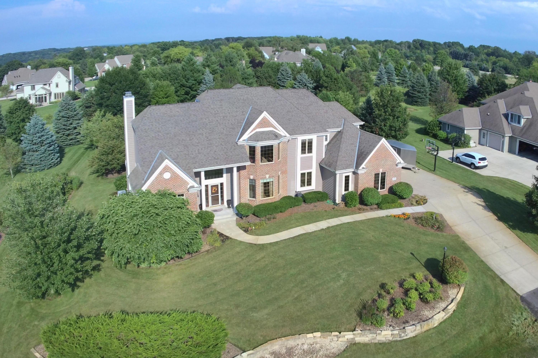 W289N3752 Huntsman Ct, Delafield, Wisconsin 53072, 4 Bedrooms Bedrooms, 11 Rooms Rooms,3 BathroomsBathrooms,Single-Family,For Sale,Huntsman Ct,1620017