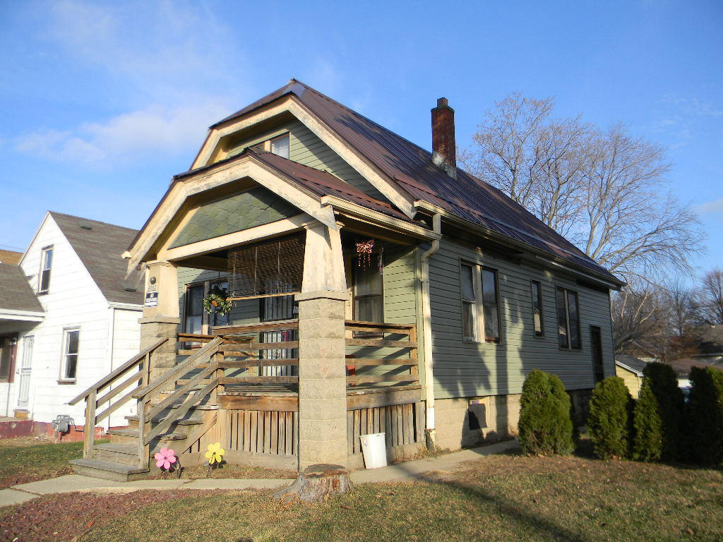 4082 7th St, Milwaukee, Wisconsin 53209, 2 Bedrooms Bedrooms, 4 Rooms Rooms,1 BathroomBathrooms,Single-Family,For Sale,7th St,1620177