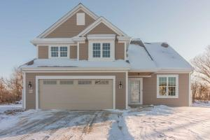 W235N6588 Outer Circle Dr