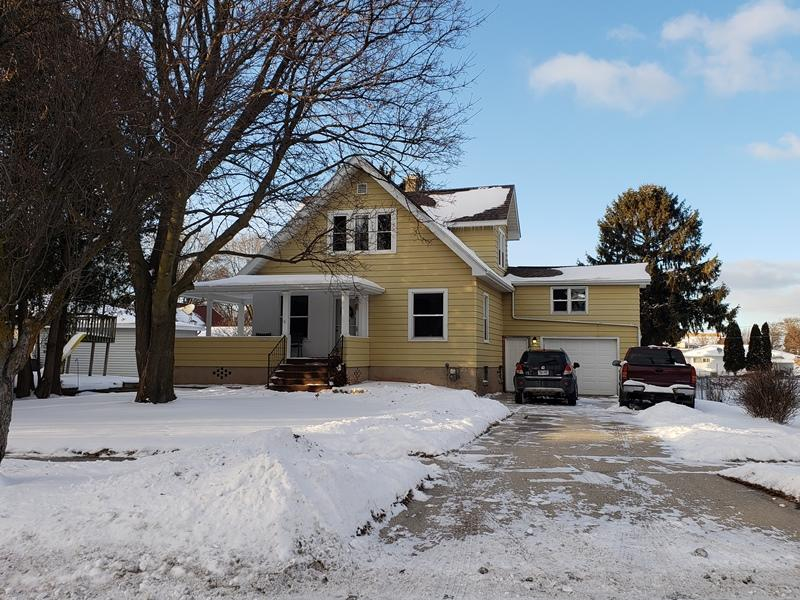 2420 Erie Ave, Sheboygan, Wisconsin 53081, 4 Bedrooms Bedrooms, ,1 BathroomBathrooms,Single-Family,For Sale,Erie Ave,1620484