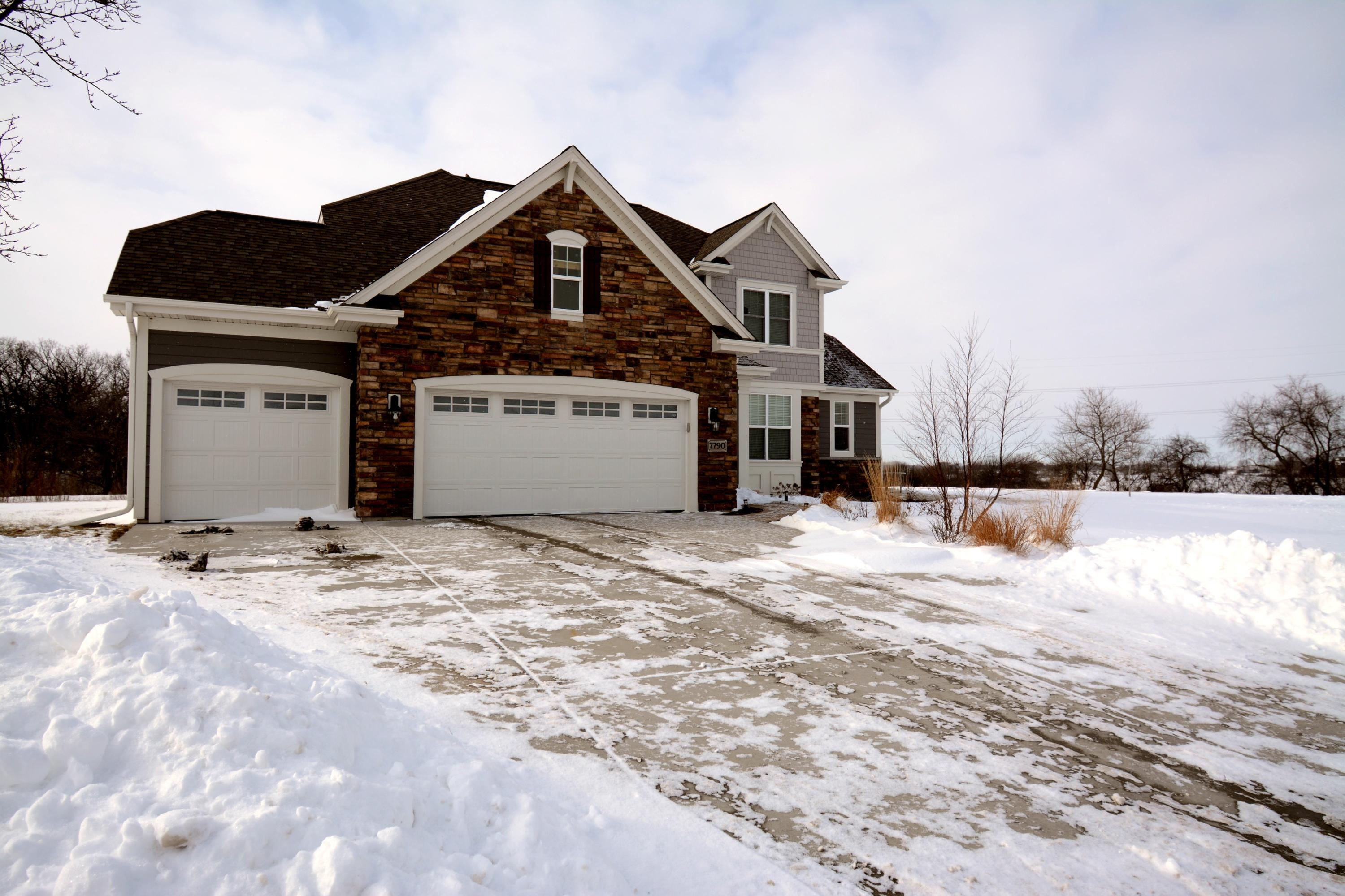 7790 130th Ave, Bristol, Wisconsin 53104, 4 Bedrooms Bedrooms, 10 Rooms Rooms,3 BathroomsBathrooms,Single-Family,For Sale,130th Ave,1619239