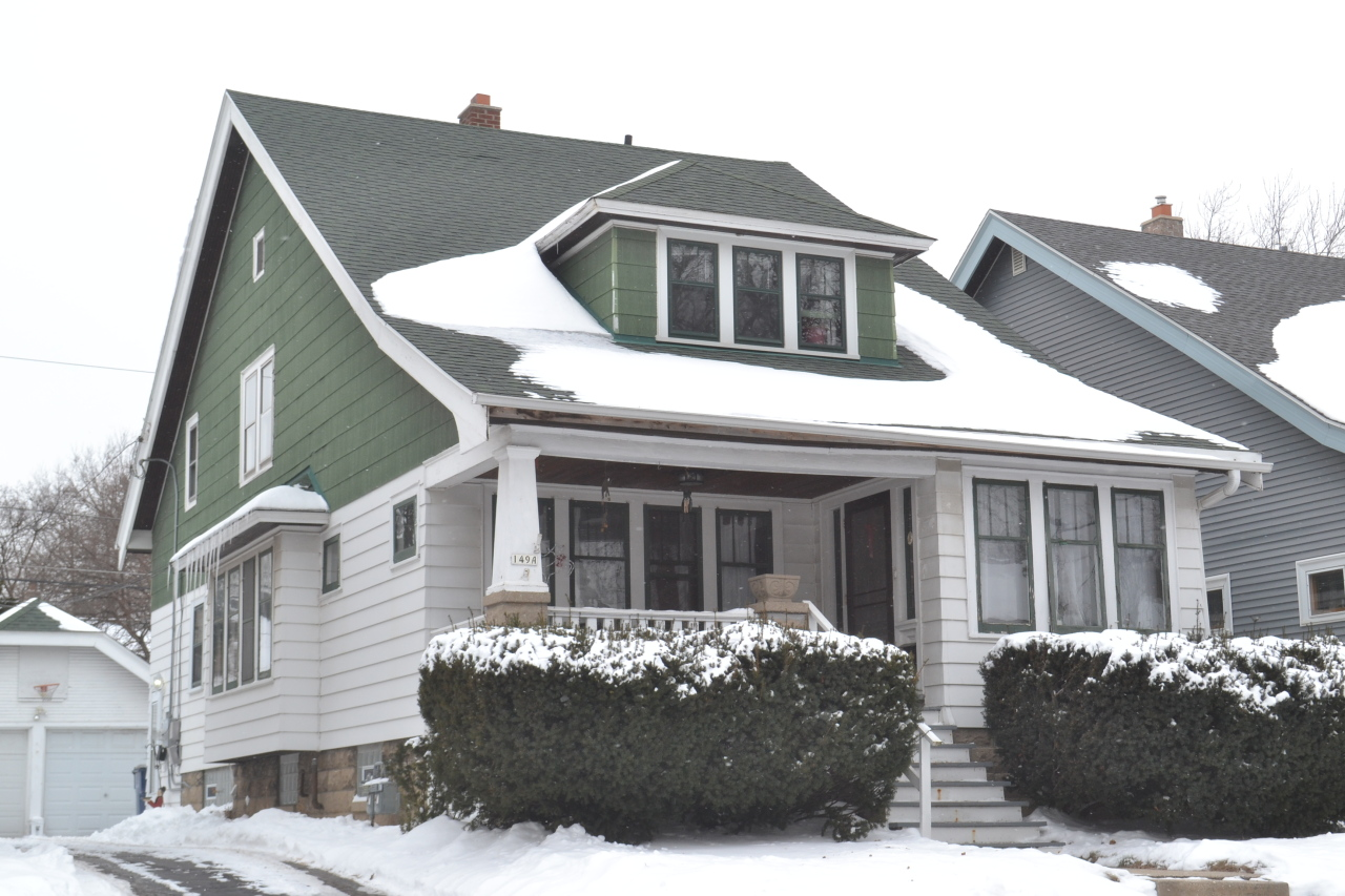 149 69th St, Milwaukee, Wisconsin 53213, 2 Bedrooms Bedrooms, 5 Rooms Rooms,1 BathroomBathrooms,Two-Family,For Sale,69th St,1,1620138