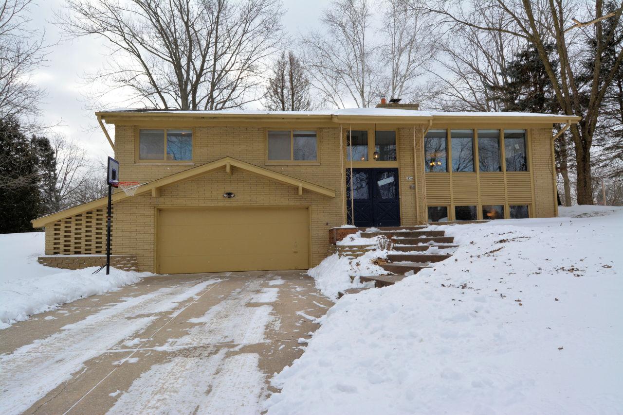 18365 Arden Ave, Brookfield, Wisconsin 53045, 3 Bedrooms Bedrooms, 8 Rooms Rooms,2 BathroomsBathrooms,Single-Family,For Sale,Arden Ave,1620338