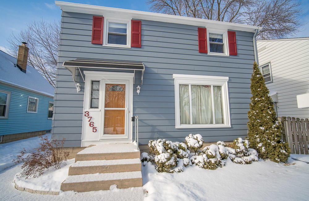 3765 Logan AVE, Milwaukee, Wisconsin 53207, 3 Bedrooms Bedrooms, 6 Rooms Rooms,1 BathroomBathrooms,Single-Family,For Sale,Logan AVE,1620480