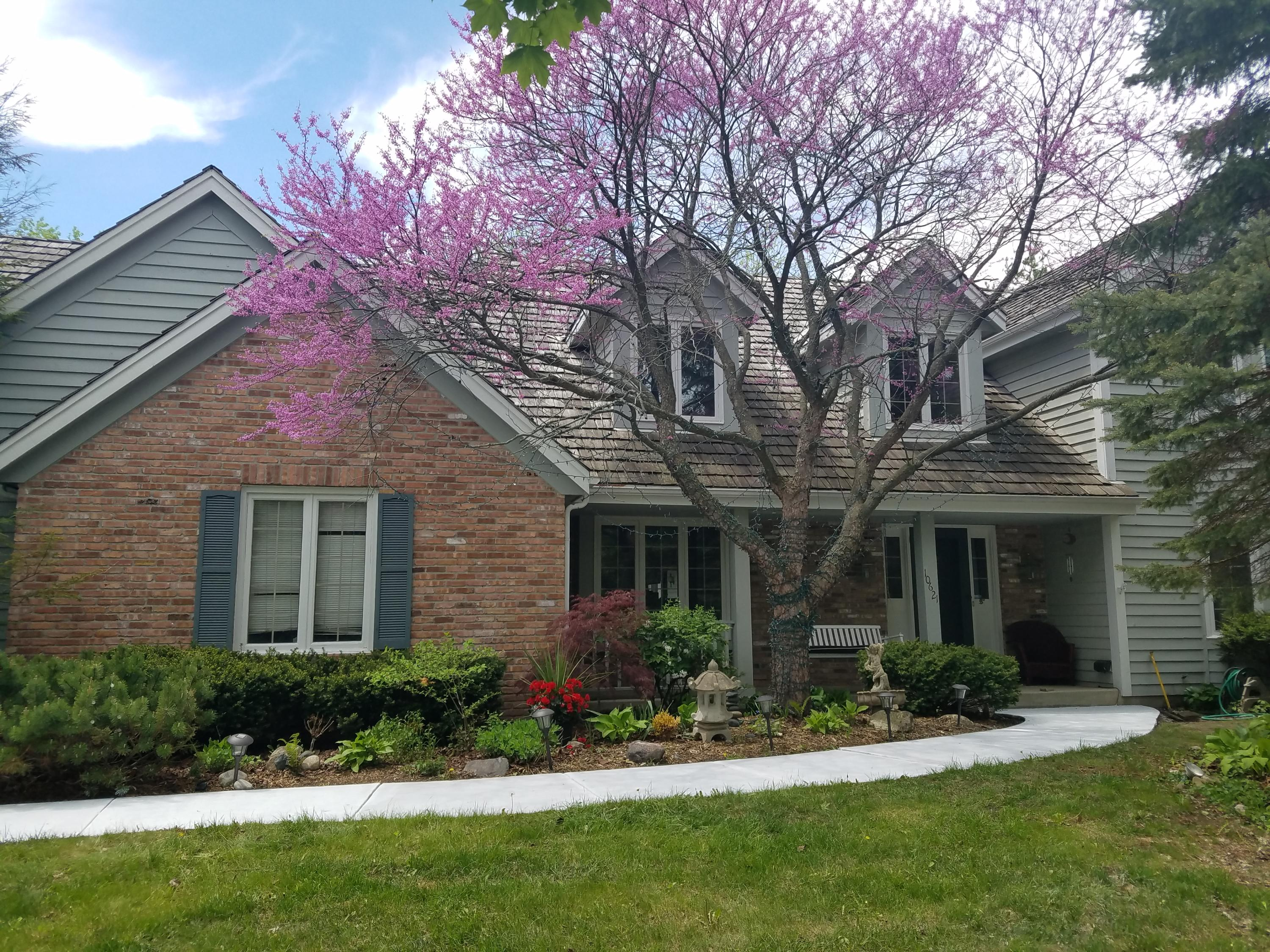 10621 Riverlake Ct, Mequon, Wisconsin 53092, 4 Bedrooms Bedrooms, 9 Rooms Rooms,3 BathroomsBathrooms,Single-Family,For Sale,Riverlake Ct,1620488