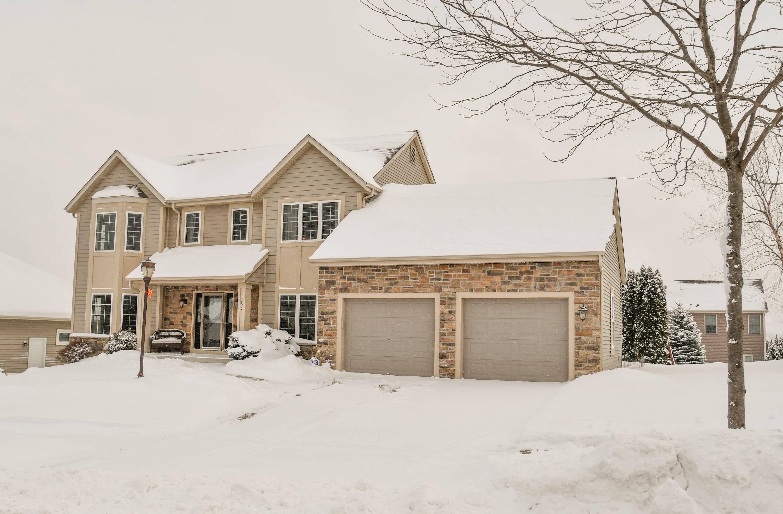 1709 Rockridge Way, Waukesha, Wisconsin 53188, 4 Bedrooms Bedrooms, 10 Rooms Rooms,2 BathroomsBathrooms,Single-Family,For Sale,Rockridge Way,1620795